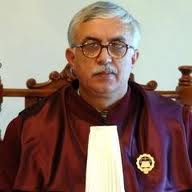 Presedintele CCR, Augustin Zegrean, considera ca legile sau ordonantele Guvernului despre accize sau taxe pot fi contestate la Curtea Constitutionala