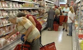 Comerciantii obligati sa achizitioneze produsele din categoriile carne, legume si fructe in proportie de cel putin 51% din productie romaneasca – Propunere legislativa