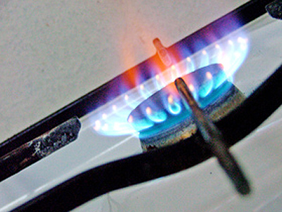 Presedintele ANRE: Pretul gazelor va creste la 1 octombrie cu 1% pentru populatie si cu 2% pentru firme