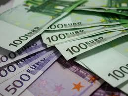 Romanii bogati au declarat in 2014 de sapte ori mai multi bani castigati in strainatate decat in anul precedent