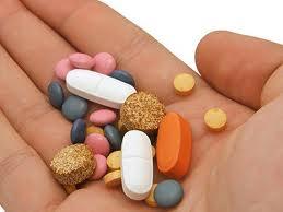 Medicamentele eliberate cu reţetă vor fi ieftinite cu 35% în următorii trei ani