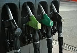 Pretul la benzina sub 5 lei litrul si in Bucuresti