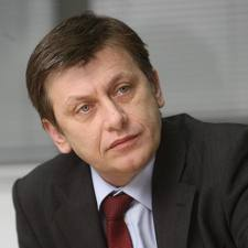 Crin Antonescu, a anuntat oficial nominalizarile pentru functiile de vicepremier si ministru de Interne, ministru al Economiei, ministrul de Finante si ministrul Sanatatii