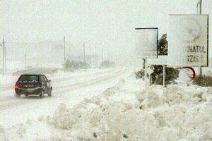 CNANDR recomanda soferilor sa evite drumurile nationale din Transilvania si Oltenia, afectate de ninsoare
