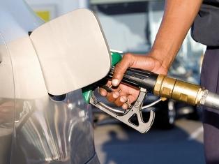 Cat vom plati pe carburanti daca guvernul schimba modul de calcul al accizei?