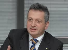 Scandal in Guvern: Ministrul Relu Fenechiu imbogatit pe spatele unui bulibasa analfabet