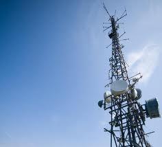 Unul dintre gigantii telefoniei mobile din Romania ar putea achizitiona un operator fix in 2015