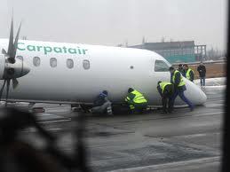 Un avion Carpatair a ratat aterizarea la Roma. Trei persoane ranite