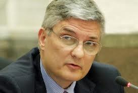 """Daniel Dăianu:""""Nu există motive convingătoare pentru majorarea ratei dobânzii"""""""