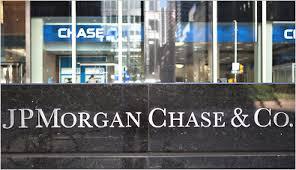 JP Morgan Chase a economisit 360.000 de ore din munca avocatilor