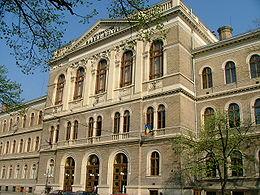 """Sediul central al Universitatii """"Babes-Bolyai"""" din Cluj-Napoca a fost revendicat. Vezi lista integrala a cladirilor revendicate"""