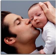 Proiect: 50% din indemnizaţia de creşte a copilului pentru părinţii care se întorc la serviciu
