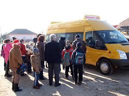 Banii pentru decontarea transportului elevilor navetisti s-au deblocat