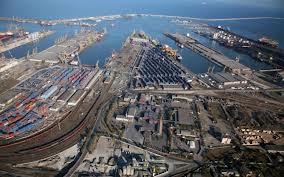 Intentia autoritatilor romane de a transfera 13% din actiunile detinute in Portul Constanta la administratia locala, va fi analizata de Comisia Europeana