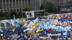 Peste 3.000 de sindicalisti din transporturi, protesteaza in Bucuresti pentru majorarea salariilor