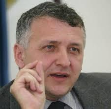 Presedintele ANAF a dispus suspendarea emiterii si comunicarii deciziilor privind regularizarea contributiilor de asigurari sociale de sanatate (CASS) pentru anul 2012
