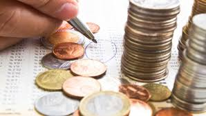 Cine mai beneficiază totuşi de plafonul de 5 x salariul mediu brut la plata CAS şi CASS