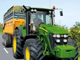 Vehiculele agricole ar putea circula din nou pe drumurile publice. Proiect de modificare a Codului Rutier