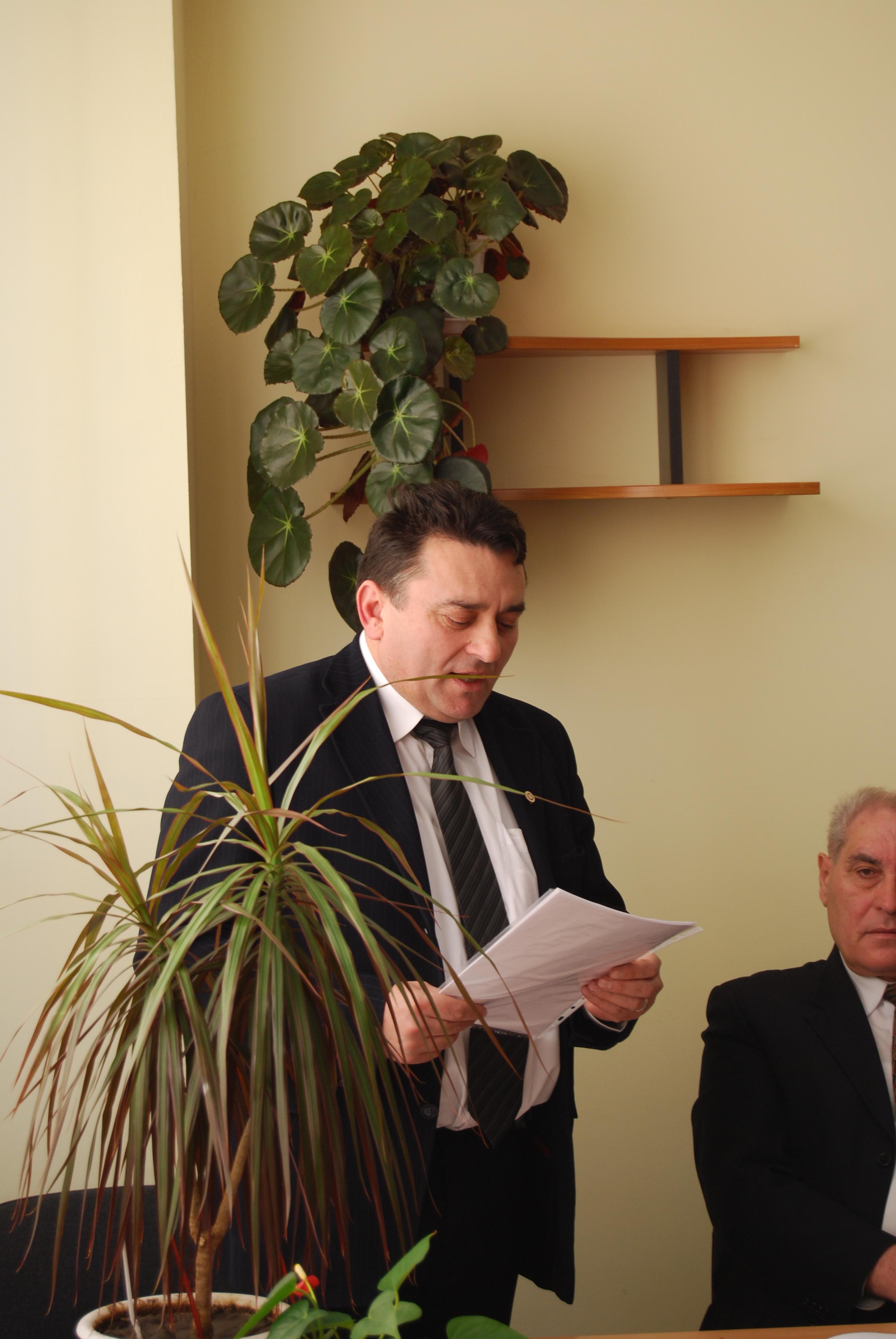 Uniunea Nationala a Barourilor din Bucuresti, cu presedinte Vasile Botomei, sustine recunoasterea ca avocati de drept a mediatorilor cu studii juridice