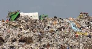 Guvernul va adopta proiectul de ordonanță referitor la taxarea diferențiată pe tona de gunoi