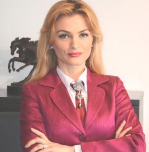 """Diana Croitoru: """"la nivel subiectiv, pericolul vine din interiorul profesiei, din toate actiunile si atitudinile noastre"""""""