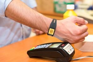BT lansează un nou instrument de plată, brăţara contactless