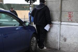 Parcarea mașinilor pe trotuare va fi posibilă doar în spațiile special amenajate