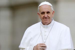 """Papa Francisc: """"Trebuie să vorbim mai puţin şi să ascultăm mai mult. Dialogul care apropie sufletele este un medicament împotriva violenţei."""""""
